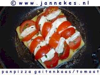 recept voor panpizza met geitekaas en tomaat