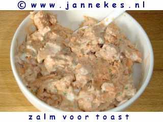 recept voor Zalmsalade voor op toast